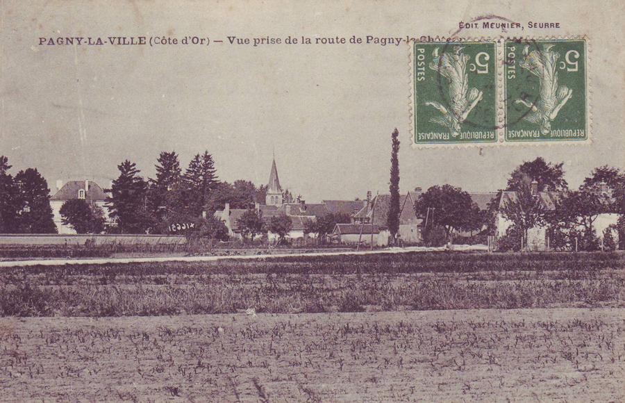 Vue prise en venant de Pagny le chateau