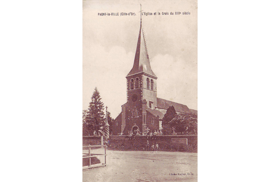 L'église depuis la place