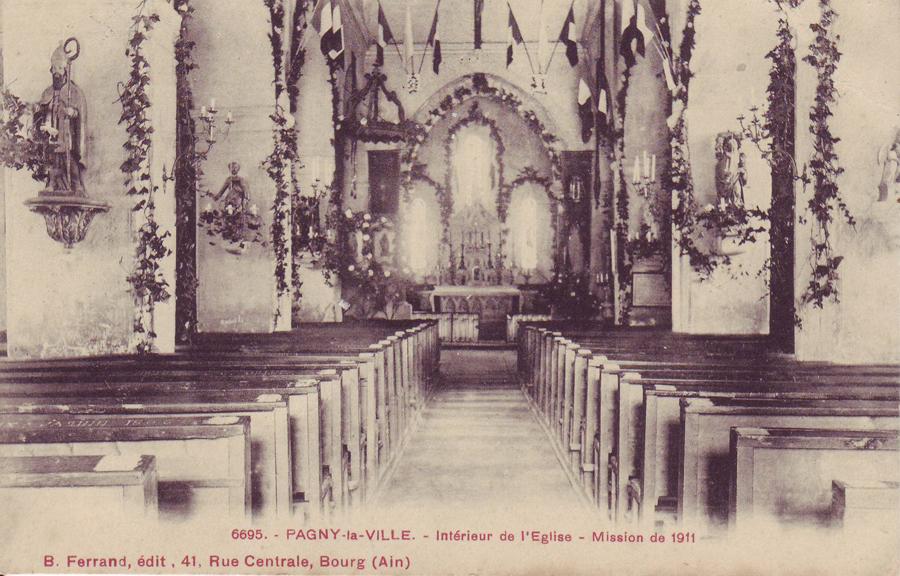 L'église décorée pour une mission en 1911