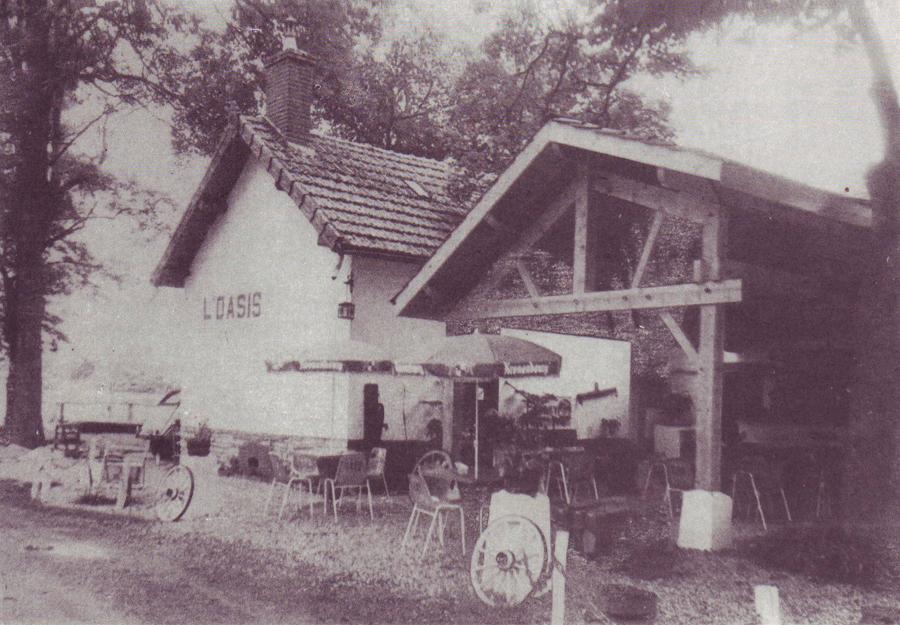"""L'ancien café """"L'OASIS"""" au pont de Charrey"""