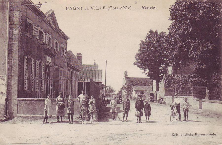 Photo du 15 juillet 1920, Mairie rue de l'église
