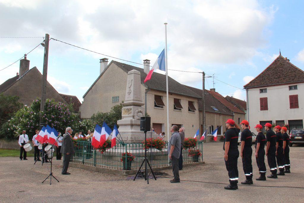 Au monument